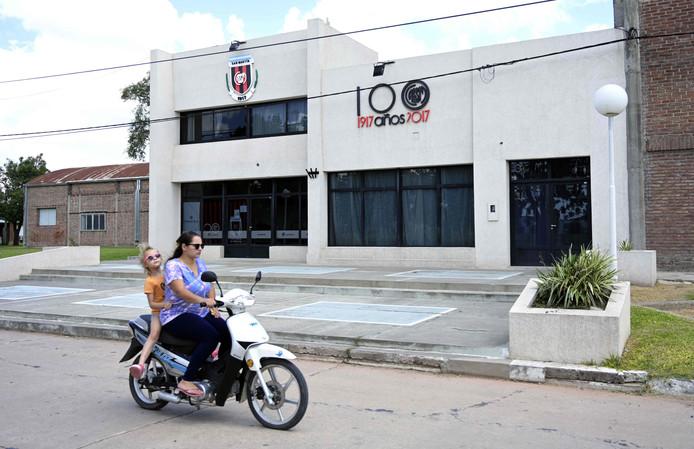 De gymzaal waar de uitvaart van Emiliano Sala plaatsvond.
