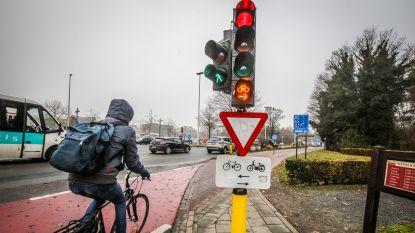 IN KAART. Met vernieuwd verkeerslicht mag je hier als fietser door rood licht rijden