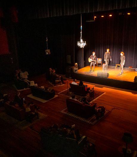 Jeroens Clan in Kattendans Bergeijk: theaterbezoek bijna een expeditie