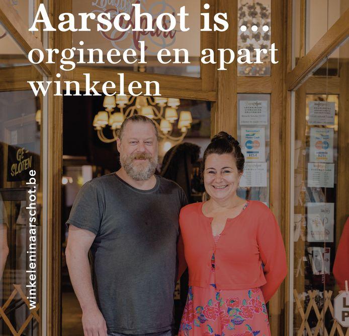 Met slogans en deurportretten van fotograaf Stijn Willems mensen overtuigen om verder lokaal te kopen en te consumeren in coronatijden.