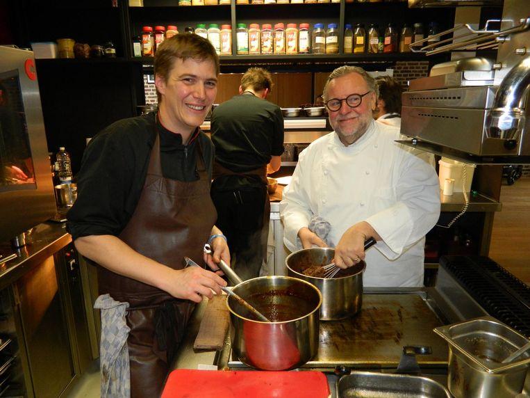 Broes Tavernier van 't Vijfde Seizoen in Aalter had twee jaar geleden nog zijn leermeester Geert Van Hecke op bezoek in zijn keuken.
