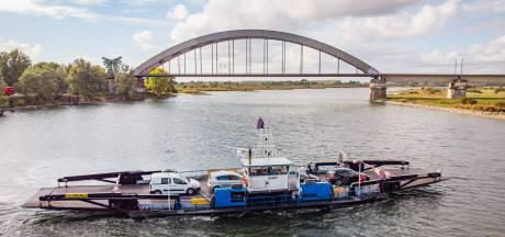 Vrouwen missen pont bij Culemborg en stelen dan maar een boot; nu zoekt de politie ze