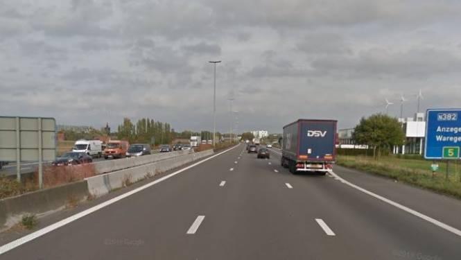 19-jarige die pas rijbewijs op zak heeft, rijdt 193 km/u op E17
