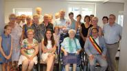 Blanche blaast 100 verjaardagskaarsjes uit