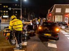 Bestuurster snorscooter raakt gewond omdat zij valt door schrikreactie in Oosterhout