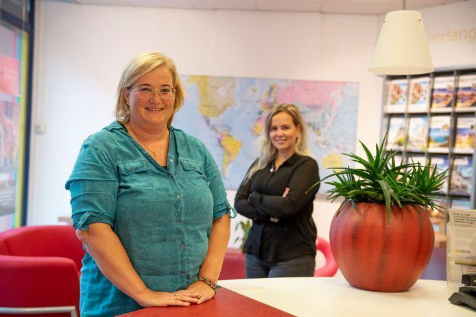 Alieke Brouwer-Kamp en haar collega Marleen te Morsche-Meijerink van - nu nog - VakantieXperts.