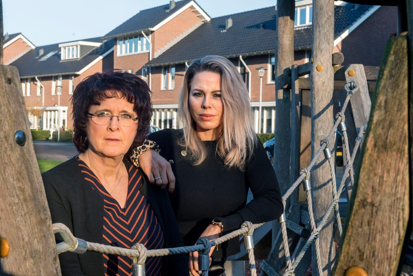 Moeder Reina van Loo en dochter Manon van Nijenhoff hangt een boete van 400 en 350 euro boven het hoofd voor schenden beroepsgeheim respectievelijk laster.