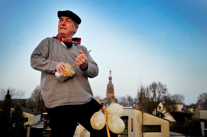In 2012 demonstreerde Rien Vermaire de rommelpot, waarmee hij ook langs zalen trok.