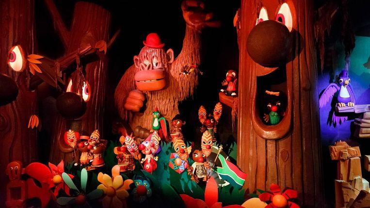 De vernieuwde Afrika-scène in de Efteling-attractie Carnaval Festival.  Beeld