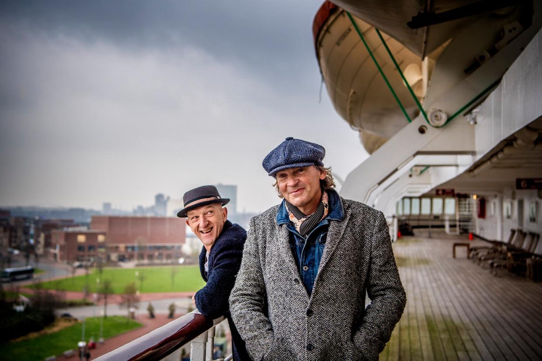 Matthijs van Nieuwkerk en Wilfried de Jong op de SS Rotterdam.  Beeld Nederlandse Freelancers
