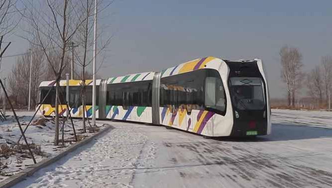 Les constructeurs chinois testent ce mois-ci le tram sur un sol enneigé.
