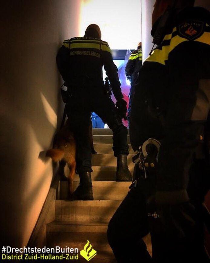 Taxichauffeur bedreigd met mes, 38-jarige klant uit Alblasserdam aangehouden.