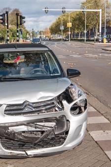 Twee ongelukken binnen uur bij Limburglaan in Eindhoven