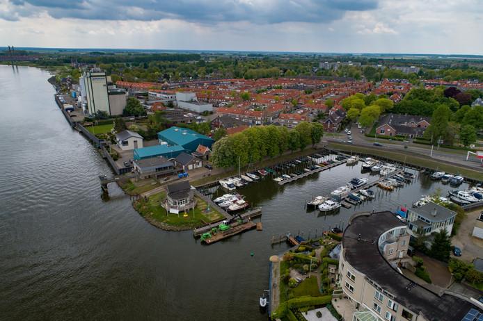 De Bovenhaven is de eerste Kamper haven die passanten vanuit het Reevediep tegenkomen. Het is voor de havenmeester nog te vroeg om duidelijke conclusies te trekken, maar het aantal passanten valt vooralsnog niet tegen.