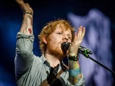 Ed Sheeran onthult talloze nieuwe tatoeages in clip