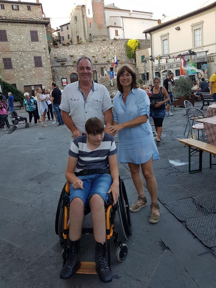 Chris en Patricia Aerts en hun zoon Jim.