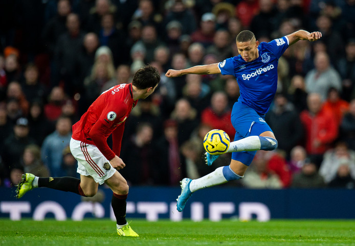 Richarlison stijlvol aan de bal namens Everton.