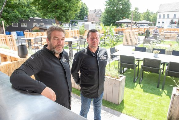 Chef-koks Geert Vandeweghe en Nicolas Claerhout.