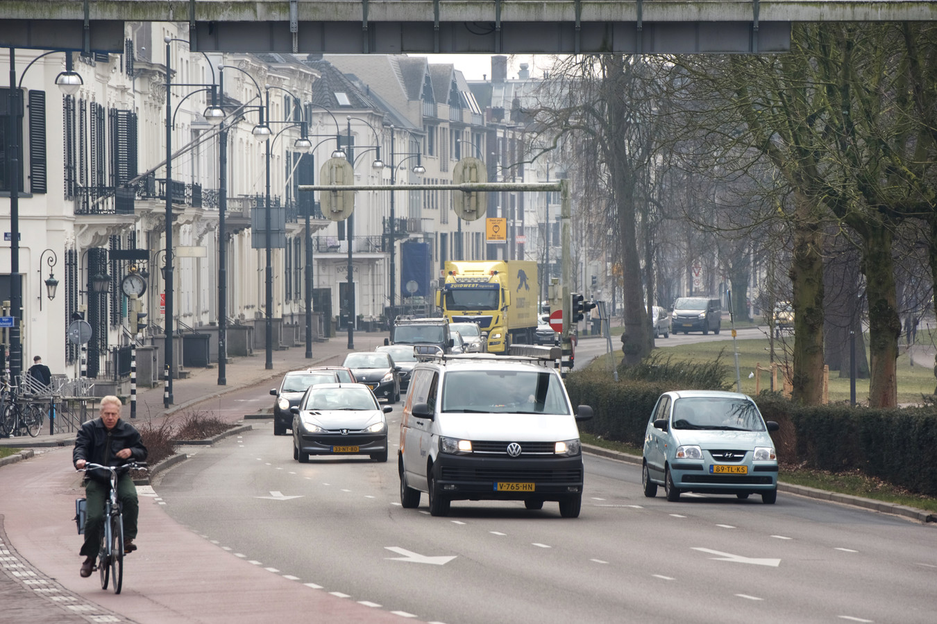 De vuilste weg in Arnhem: Eusebiusbuitensingel.