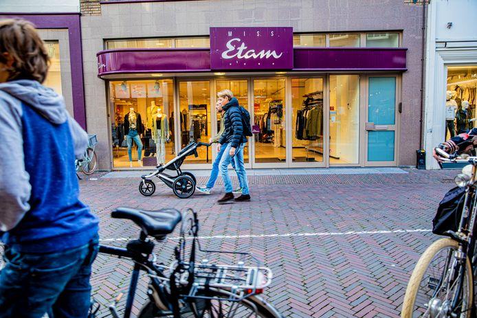 Tientallen filialen van Miss Etam zijn inmiddels gesloten.