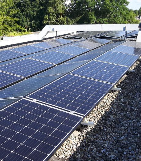 138 zonnepanelen op dak van dorpshuis Beesd