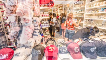 "Brugse souvenirshops vrezen bloedbad: ""Wie koopt straks nog magneten of T-shirts van Brugge?"""