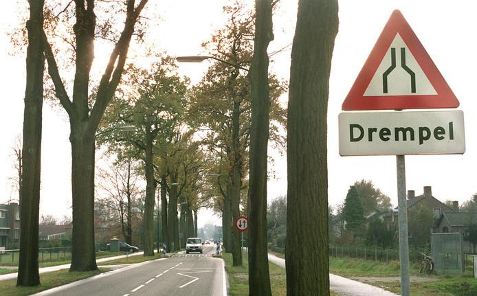Relatief veel bomen, negentien exemplaren, worden gekapt aan de Langstraat en Leenderweg, de doorgaande weg tussen Leende en Heeze.