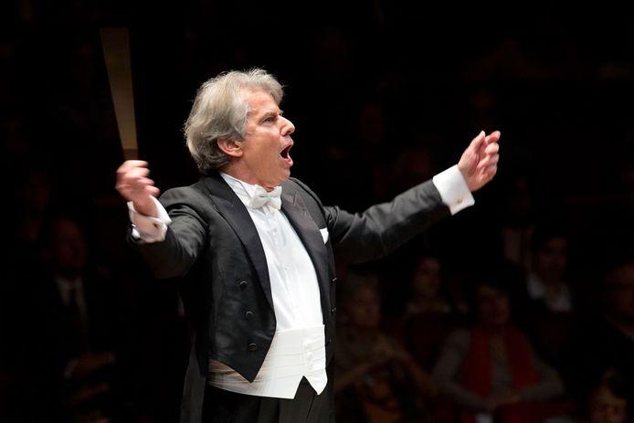 Dirigent Hartmut Haenchen.