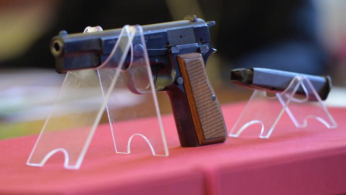 Handvuurwapen van het type Browning.