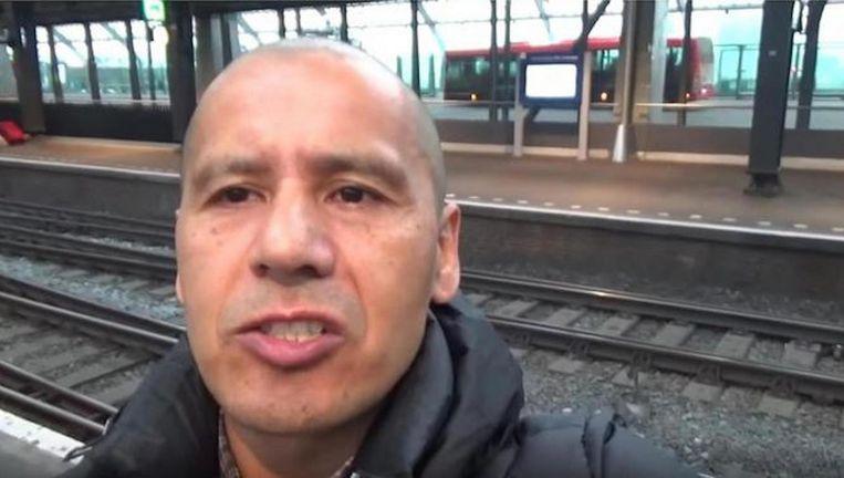 De YouTuber hielp al mee aan de arrestaties van 400 zakkenrollers. Beeld Jaime van Gastel