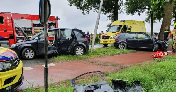 Brandweer moet slachtoffer uit auto bevrijden na ongeluk bij Ede.