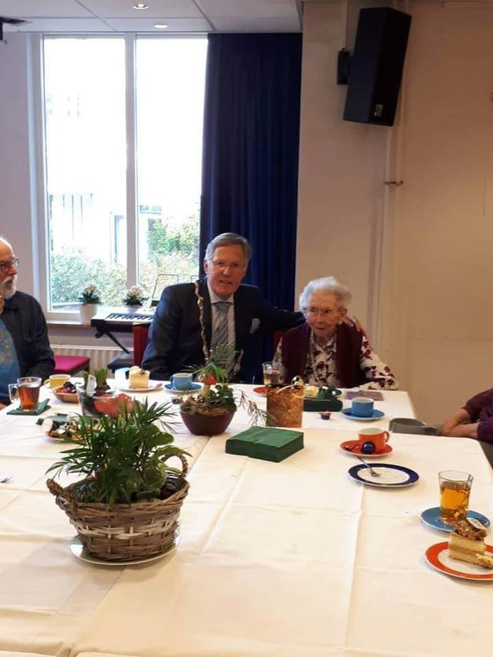 Mevrouw Visser Viert 100ste Verjaardag In De Wieken Schouwen