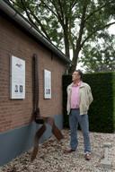 Dodewaard 15/07/2019 Cees van Meer bij oorlogsmonument omgekomen vliegers - piloten iov Gelderlander foto Raphael Drent