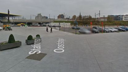 Vlaams Belang klaagt overlast in stationsbuurt door 'bende marginalen' aan