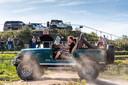 Bezoekers van het 4WD Festival aan de Osse Aengelbertlaan konden ook zelf hun rondjes maken.