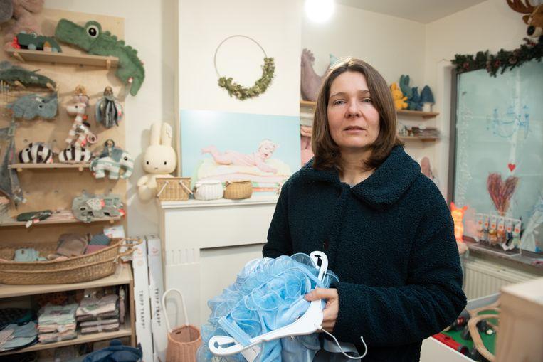 In de speelgoedwinkel van Peggy Van Assche wilden de oplichters zogezegd een jurkje kopen.