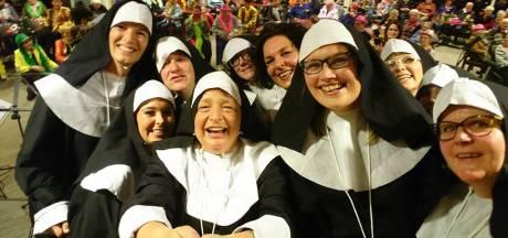 Anita uit De Lutte brengt 8 dagen carnaval vieren in beeld