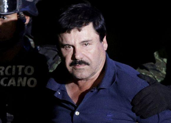 De baas van het beruchte Sinaloakartel, Joaquín 'El Chapo' Guzmán, toen hij in 2016 werd voorgeleid voor de Mexicaanse procureur in Mexico Stad.