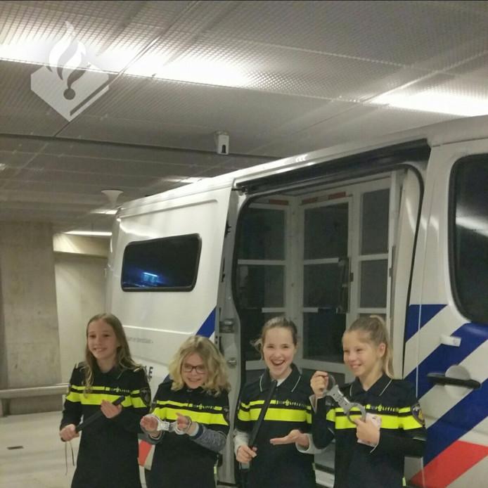 Het bezoek aan de rechtbank Zwolle. Foto: Politie Olst-Wijhe