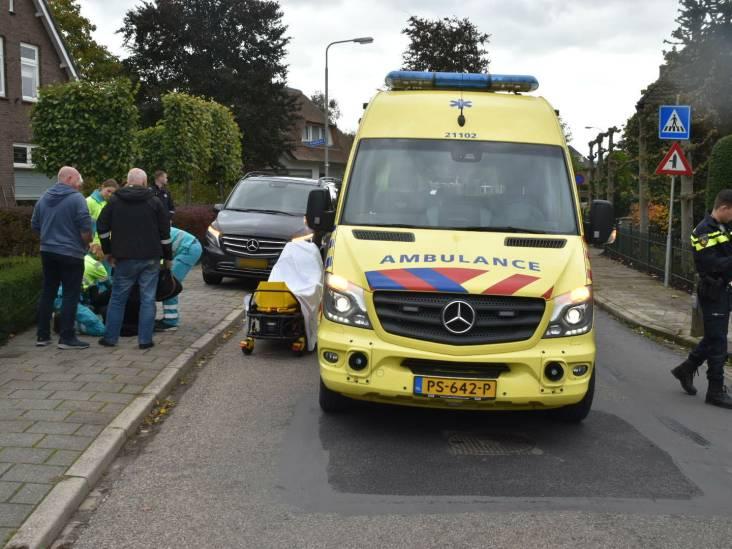 Scooterrijdster gewond na aanrijding met auto in Ammerzoden