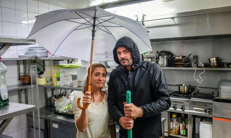Het regende binnen in de keuken, maar dat is nu opgelost.