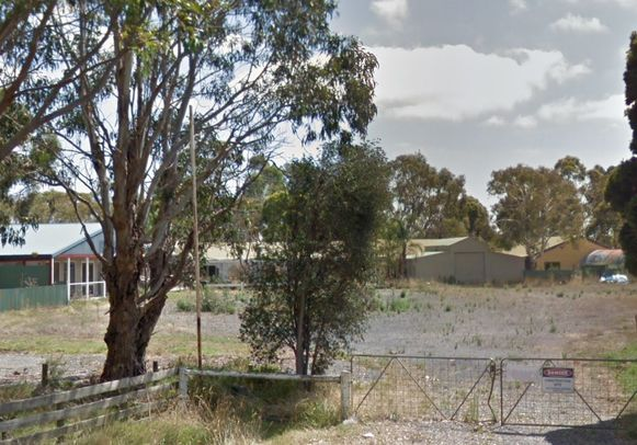 Het dierenpark sloot in 2012 de deuren en ligt er nu vervallen bij.