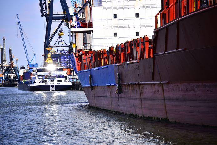 De haven van Moerdijk moet veiliger worden.