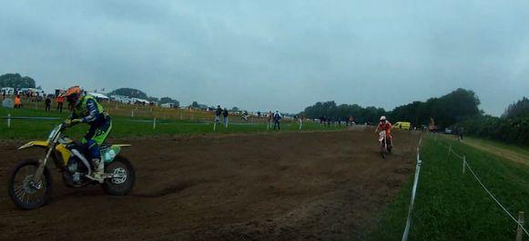 Beelden van de motorcross in Wontergem deze namiddag.
