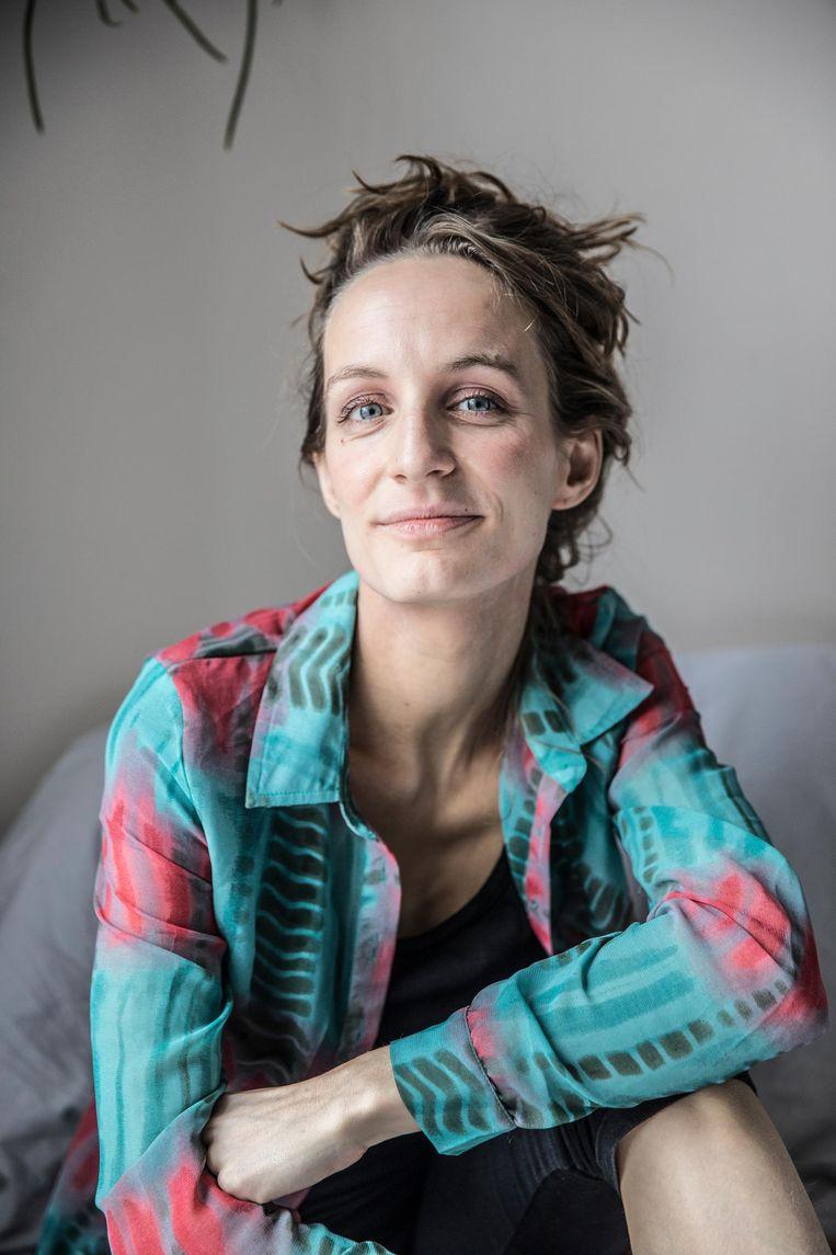 Anne van Campenhout (27) wil het taboe op vaginisme doorbreken. In haar openhartige documentaire My Fucking problem gaat ze op zoek naar de oorzaken ervan. Daarbij spreekt ze deskundigen en enkele vrouwen met hetzelfde probleem. Beeld Marlena Waldthausen