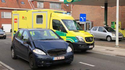 Bestuurster gewond bij kop-staartbotsing in Bergstraat