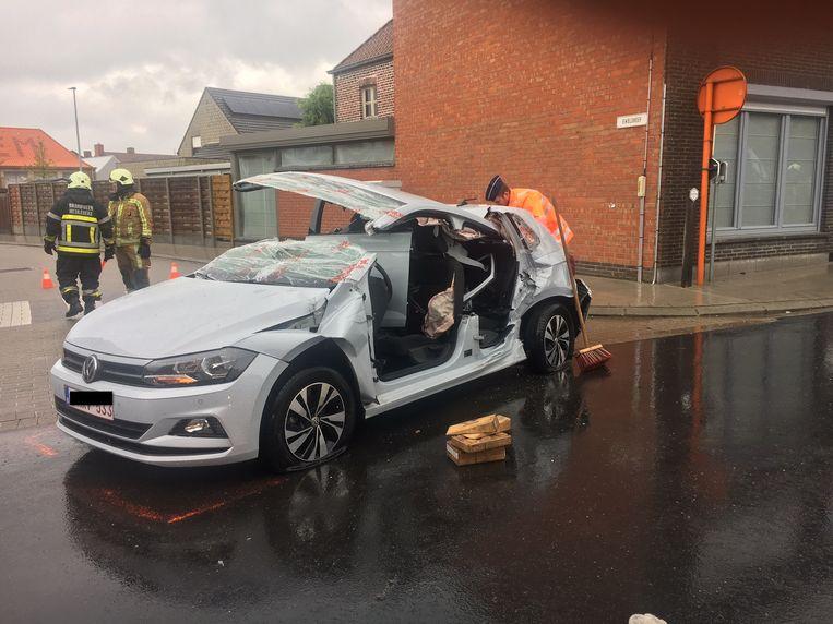 De VW Polo moest er volledig aan geloven.