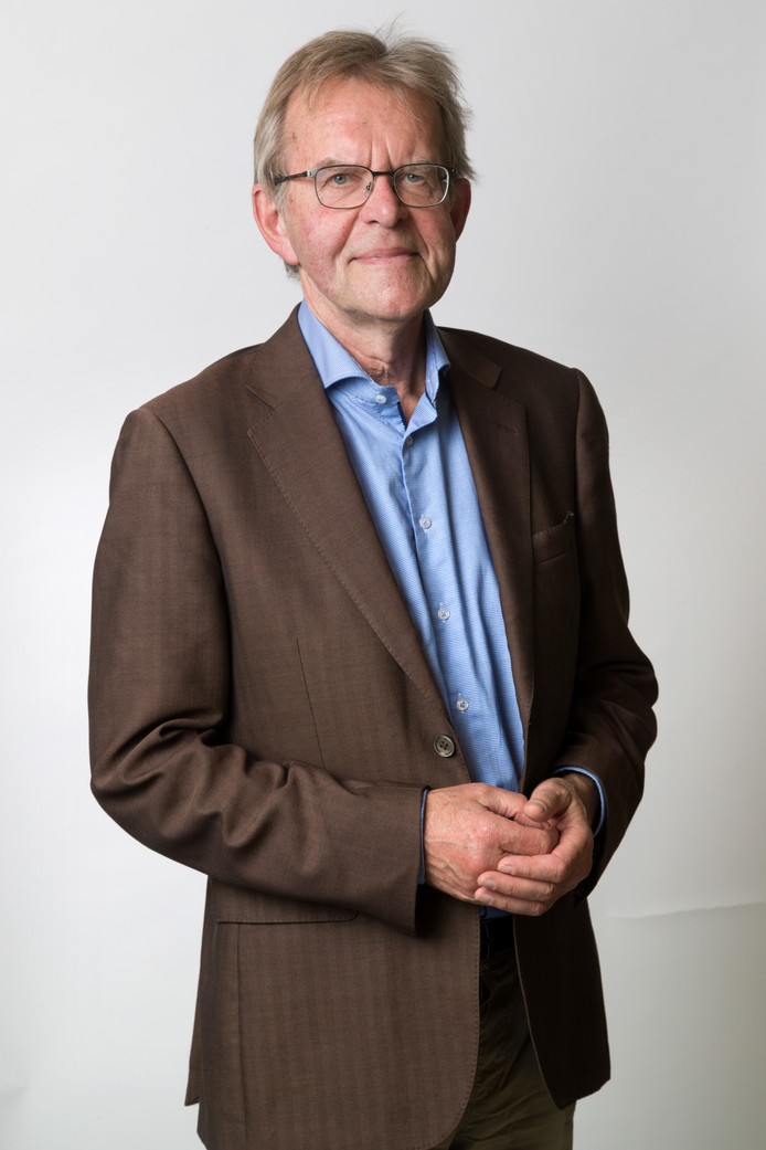 Nederland,  Den Bosch, columnist Tony van der Meulen