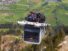 200 toeristen per heli van Zwitserse berg gehaald na storing kabelbaan