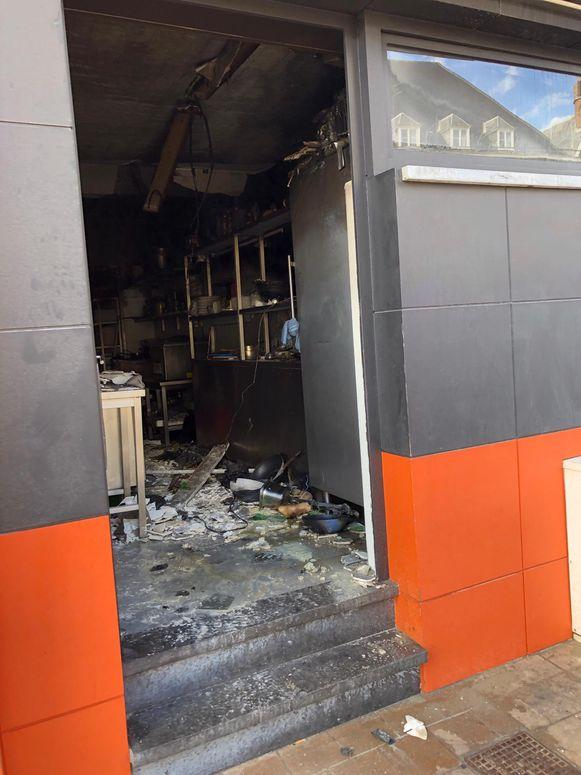 De keuken van het restaurant liep zware schade op.